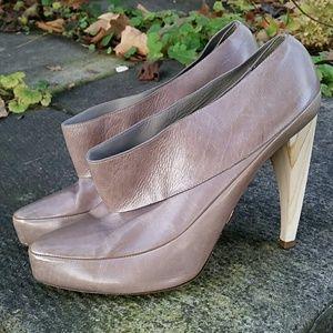 Omelle Cecilia Gray Plum Calf Heels